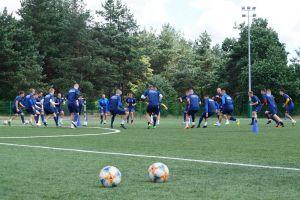 Piłkarze wracają na murawy. W tym tygodniu pierwsze sparingi Raduni Stężyca i GKS-u Przodkowo