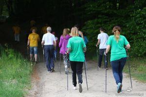 Rodzinny Marsz Nordic Walking z wieloma atrakcjami w sobotę w Kamienickim Młynie