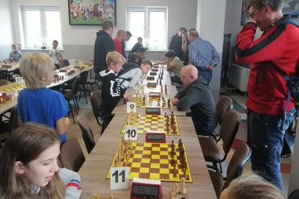 somonino-szachy-powiatowe-2019-_(2).jpg