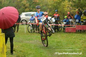 Młodzicy i żacy ścigali się w międzywojewódzkich mistrzostwach w MTB w Ostrzycach