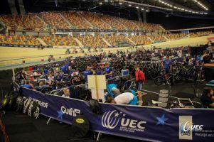 Szymon Sajnok jedzie w piątek omnium w torowych mistrzostwach Europy w Apeldoorn
