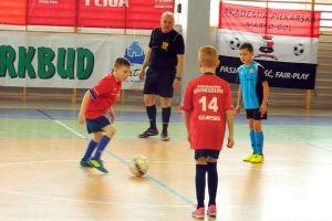 Trwają zapisy do Halowej Ligi Piłki Nożnej w Kiełpinie. Zagrają roczniki 2008 i 2010