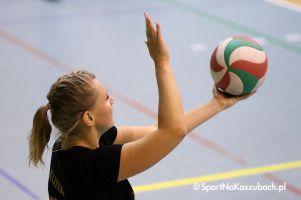 Przodkowska Liga Piłki Siatkowej Kobiet. Medalistki I ligi w komplecie na parkiecie