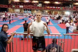 Nikodem Bigus z Rebelii Kartuzy w powalczy w ćwierćfinale kickbokserskich mistrzostw świata w Dublinie 2016