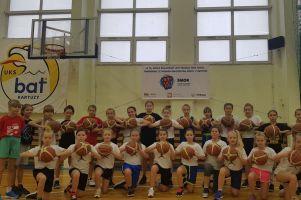 SMOK w SP nr 5 w Kartuzach działa już czwarty rok. Dzięki niemu koszykówkę trenuj 45 dziewcząt