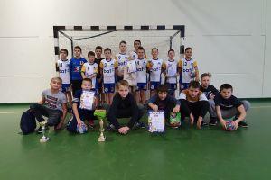 Chłopcy z Batu Kartuzy najlepsi w turniejach piłki ręcznej w Lęborku i Nowej Karczmie