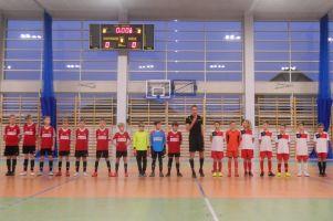Młodzi zawodnicy z Bytowa triumfowali w Turnieju Piłki Nożnej Halowej w Kiełpinie