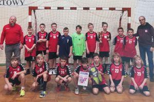 Chłopcy z GKS-u Żukowo bezkonkurencyjni w Mikołajkowym Turnieju Piłki Ręcznej w Elblągu