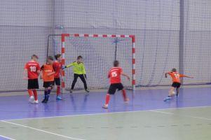Halowa Liga Juniorów w Kiełpinie. Gowidlino wygrywa mecz na szczycie, Stara Kiszewa traci pierwsze punkty