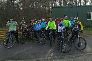 Grupa MTB Start Kartuzy wraz z przyjaciółmi rozpoczęła sezon kolarski
