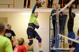 Żukowska Liga Siatkówki. Pierwsza część sezonu zakończona, osiem zespołów zagra w drugiej rundzie