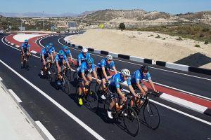 Kolarze Cartusii Kartuzy trenują na obozie w Hiszpanii. Pojadą w wyścigu Trofeo Guerrita 2020