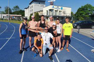 Rewelacyjny bieg Krzysztofa Różnickiego na kartuskim stadionie. W sobotę ma szanse na rekord Polski