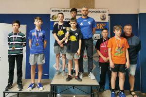 Tenisiści z Sierakowic i Miechucina z medalami Mistrzostw Województwa Pomorskiego Młodzików