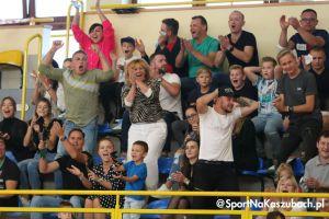 We - Met Futsal Club - AZ UG Gdańsk. Sensacja na inaugurację I ligi futsalu w Sierakowicach