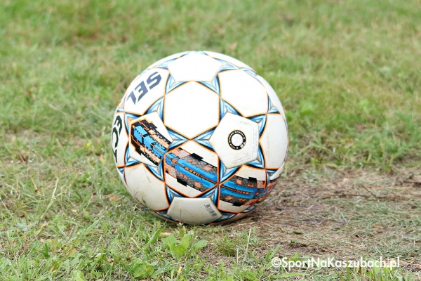 sporting-lezno-i-radunia-ii-stezyca-zwycieskie-w-okregowce