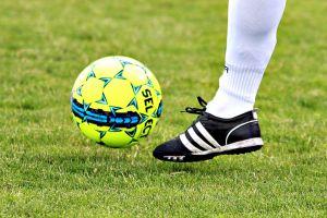 Dziewięć bramek Amatora II Kiełpino, po pięć Cartusii II Kartuzy i Orła Gołubie w B klasie