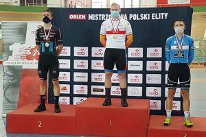 Jakub Soszka z Cartusii na podium Mistrzostw Polski w Kolarstwie Torowym