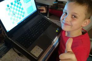 """Internetowy Szachowy Turniej """"Siedmiu Gwiazd"""" 2020 dla Moniki Tusk i Krystiana Wonsa"""
