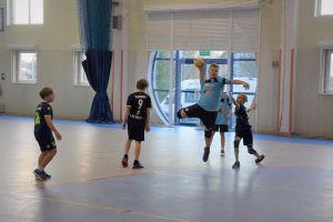 Gospodarze z GKS-u najlepsi w Turnieju Piłki Ręcznej Chłopców w Żukowie