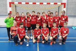 Młodzi szczypiorniści GKS-u Żukowo i UKS-u Banino zagrali w turnieju w Bartoszycach