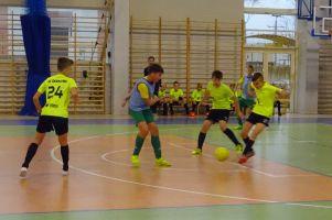 Amator Kiełpino i Wierzyca Stara Kiszewa nadal liderami Halowej Ligi Juniorów w Kiełpinie