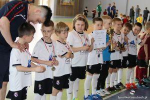 Futsal Cup 2016 w Kiełpinie - relacja, zdjęcia z dekoracji i filmik z turnieju piłki nożnej halowej rocznika 2009