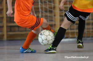 Zimowy Turniej Piłkarski w Przodkowie. Piłkarska rywalizacja juniorów przez całe ferie