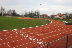 Sierakowice mają nowy stadion lekkoatletyczny i obiekty przy szkole