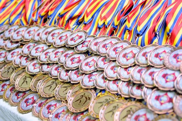 medale_trofea_zawody_nagrody.jpg