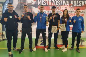 Rekordowy rok dla kickbokserów Rebelii Kartuzy. Zdobyli aż 24 mistrzostw Polski w każdej kategorii wiekowej