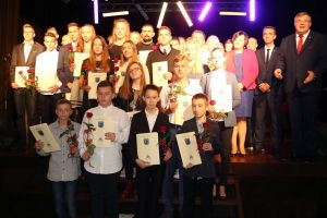 Stypendia sportowe w gminie Kartuzy przyznane. 49 zawodników wyróżnionych za osiągnięcia