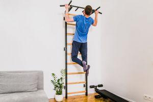 Trening dla domatora - ćwiczenia na drabince w domu