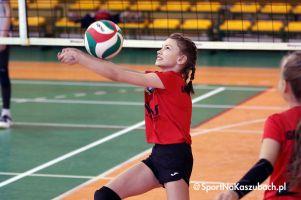 Pierwszy Turniej Minisiatkówki Dziewcząt o Puchar Wójta Stężycy 2021 rozegrany