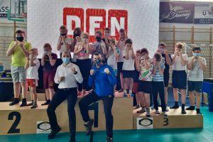 Worek medali zawodników Rebelii w Mistrzostwach Pomorza w Kickboxingu w Luzinie