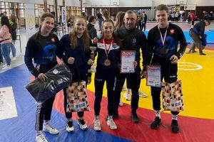 Dominika Konkel i Klaudia Merchel na podium II Pucharu Polski Kadetek w Zapasach
