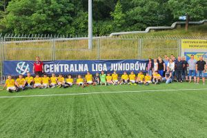 Młodzi piłkarze Raduni Stężyca awansowali do Centralnej Ligi Juniorów