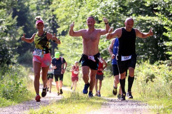 setki-biegaczy-wystartowaly-w-cartusia-polmaratonie-2021