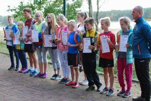 Sztafety z gminnych szkół pobiegły w Kamienicy Królewskiej