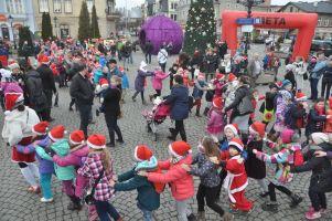 Mikołajkowy Festiwal Zdrowia w Kartuzach 2016. Marsz zdrowia, bieg na 6 km, rowerowa parada, koncert i moc prezentów już 11 grudnia