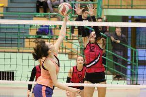 Przodkowska Liga Piłki Siatkowej Kobiet. W piątek II faza play - off, w tym mecze półfinałowe