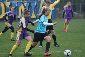 Żeński zespół GKS-u Żukowo przegrał trzy mecze III ligi z Biało - Zielonymi, Checzą i Luzinem